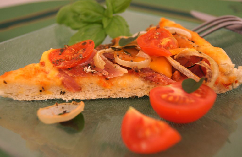 Pizza Marcela s cibulkovými kroužky