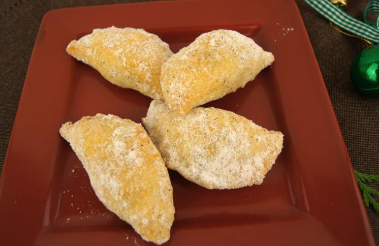 Recept na maminčiny vánoční trojhránky s ořechovou náplní